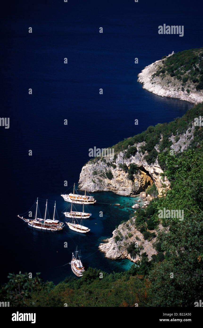 21147de40649e1 Segeln Boote ankern in der Bucht von Kvarner Cres Kroatien Stockfoto ...