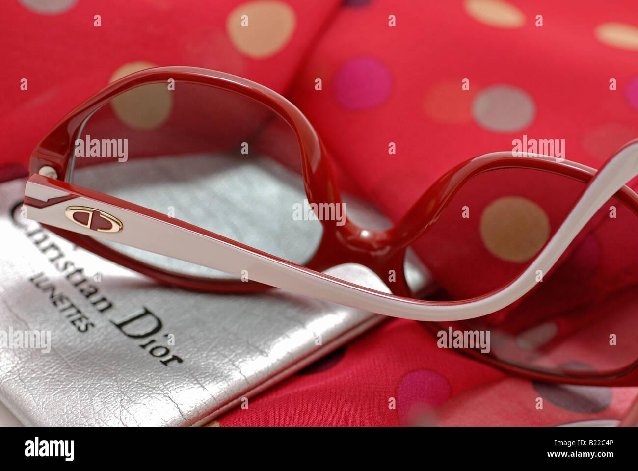 Christian Dior Sonnenbrille aus den 80ern Stockbild