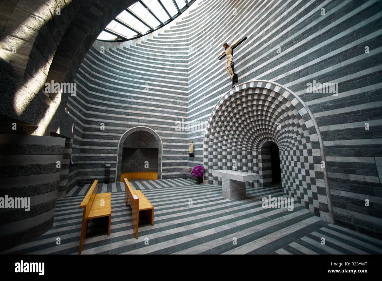 Innenraum der Kirche von St. John The Baptist Mogno Fusio, Gemeinde Lavizzara, Val Maggiore, Tessin, Schweiz Stockfoto