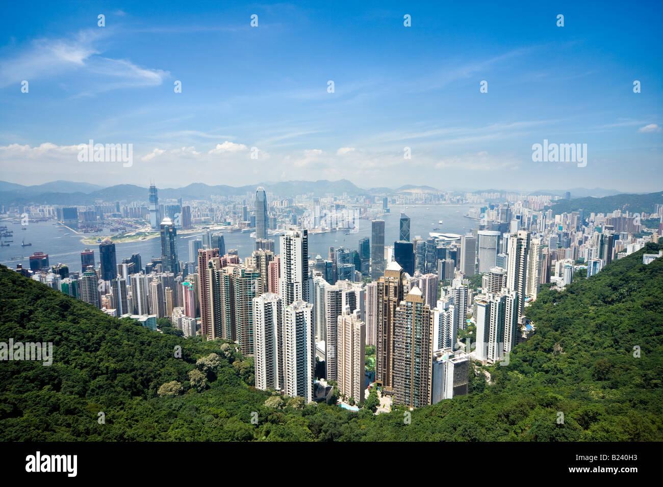 Hong Kong Skyline. Blick auf Hong Kong und Kowloon vom Victoria Peak Tower. Hong Kong, China, SAR, an einem klaren Stockbild