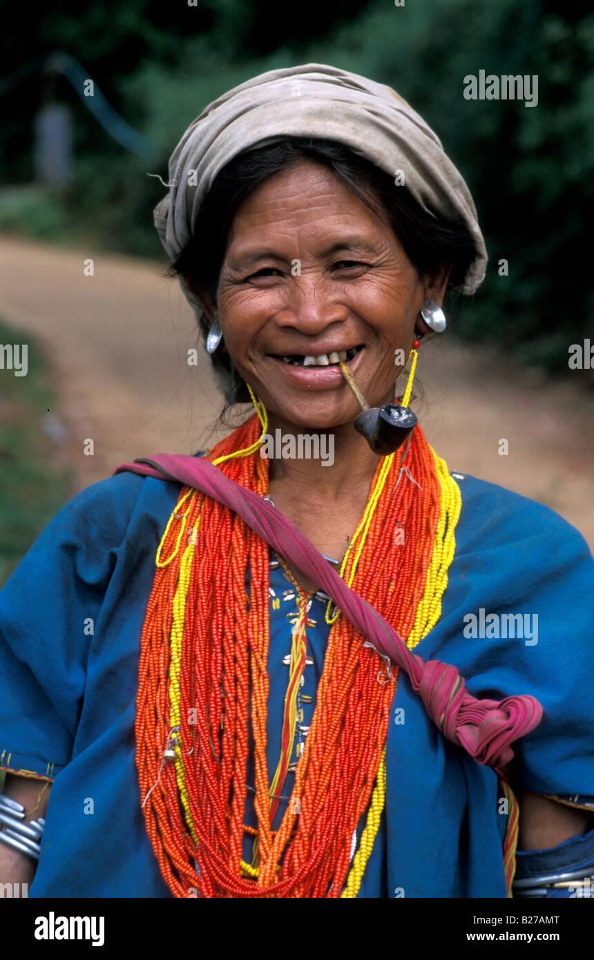 Thailand Mädchen Rohr