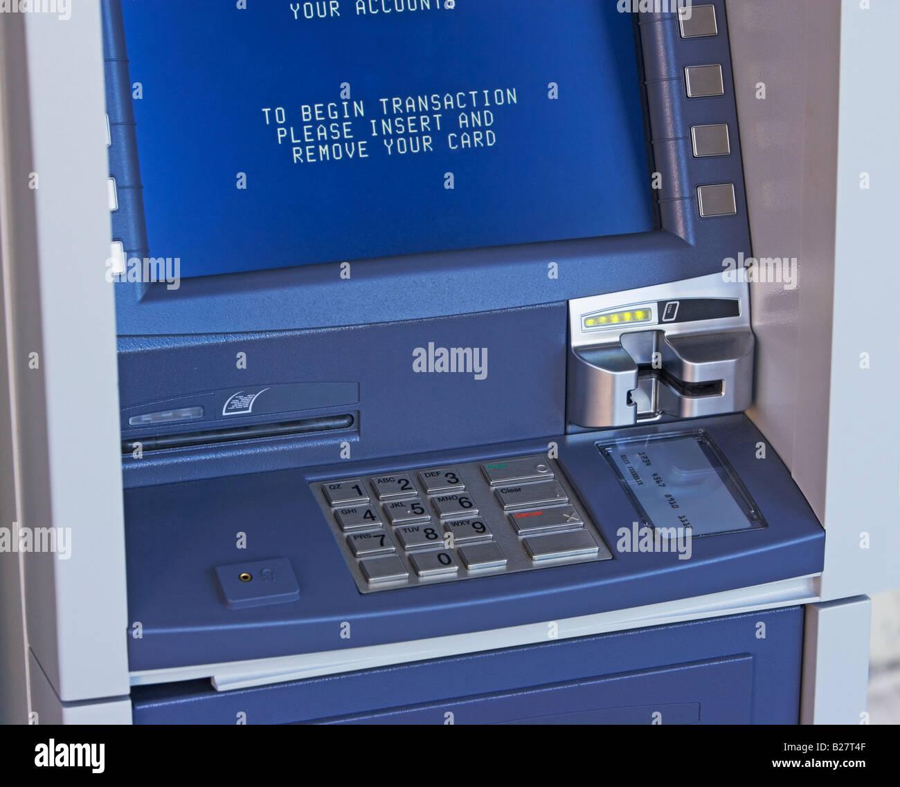 Nahaufnahme von Geldautomaten Stockbild