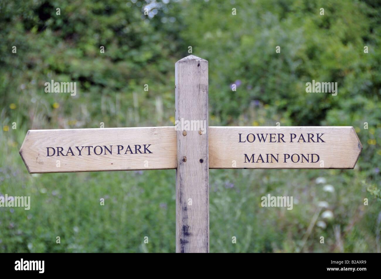 Finger Post Gillespie Park Highbury London England UK Stockbild