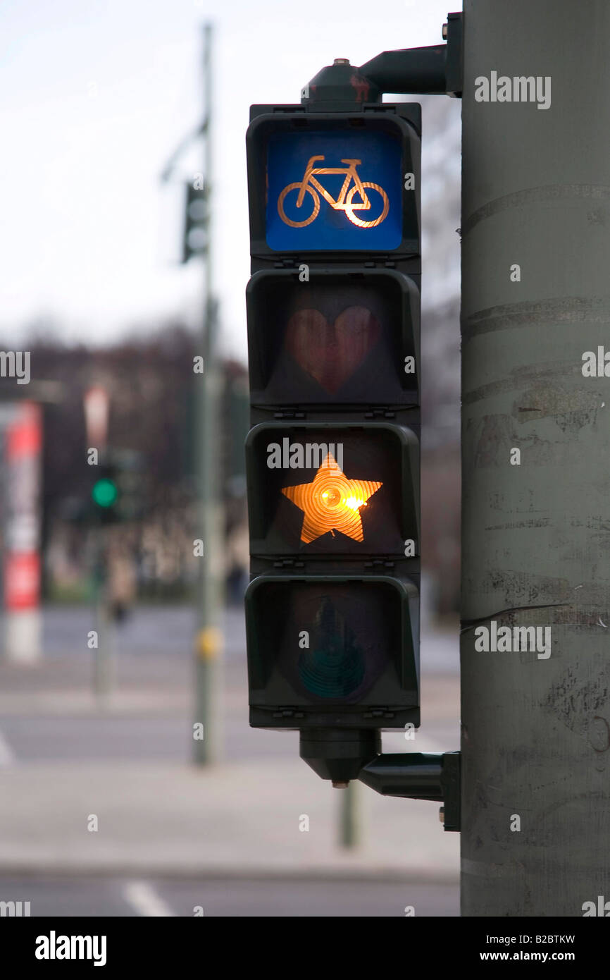 Fahrrad Ampel Verändert Mit Graffiti Sternförmig Berlin