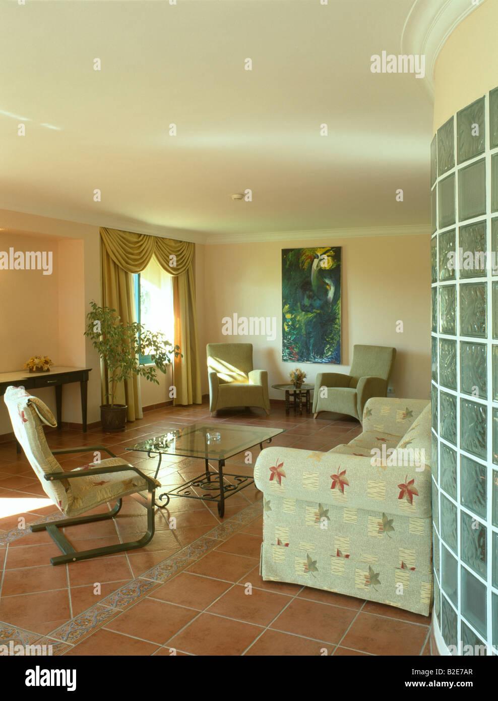 wohnzimmer farben terracotta : Room Terracotta Floor Interior Stockfotos Room Terracotta Floor