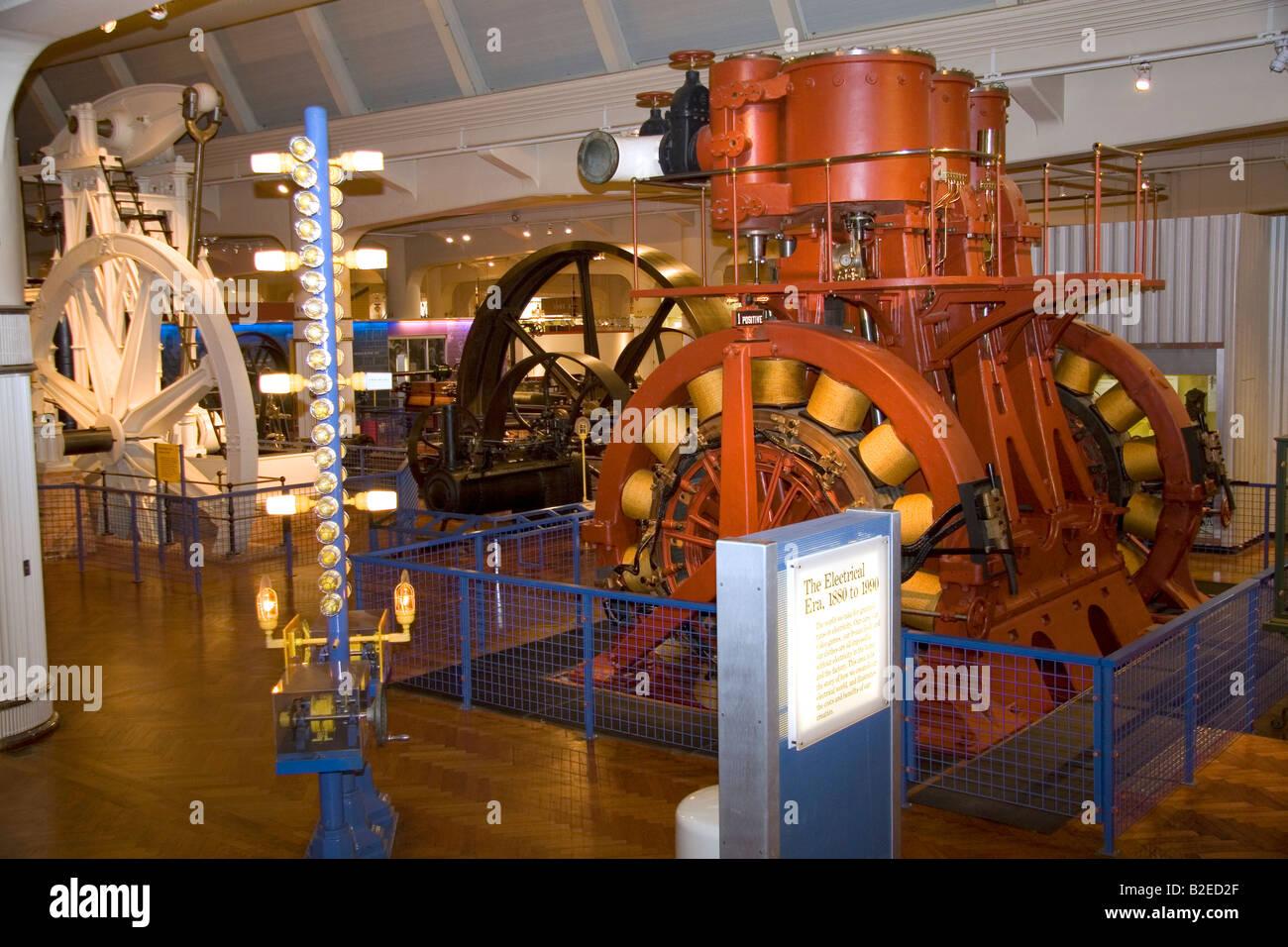 Geschichte des industriellen Stromverbrauchs und Generation in den USA bei Henry Ford Museum in Dearborn, Michigan Stockbild