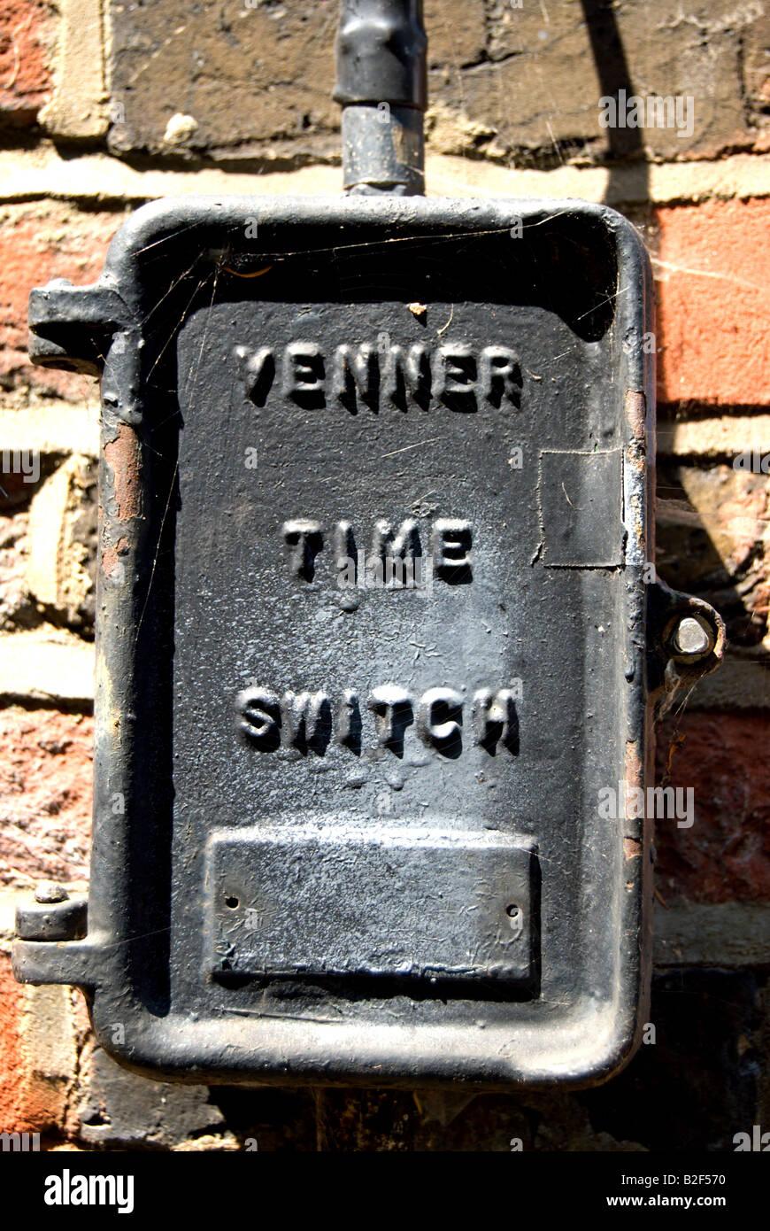 Gehäuse für eine Zeitschaltuhr Venner, zur Kontrolle der Außenbeleuchtung in der Regel an öffentlichen Stockbild