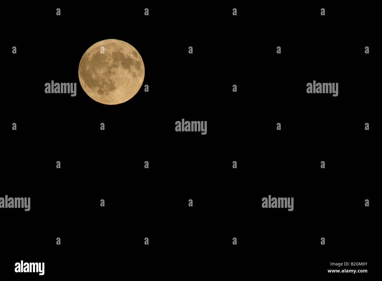 Vollmond am Nachthimmel Mondschein Luna Swiss Schweiz Stockbild