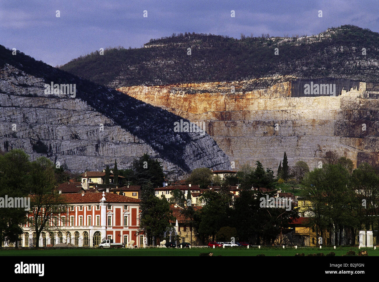 Exceptionnel Bergbau, Steinbruch, Steinbrüche In Der Nähe Von Brescia, Lombardei,  Italien, Additional Rights   Clearance Info   Not Available