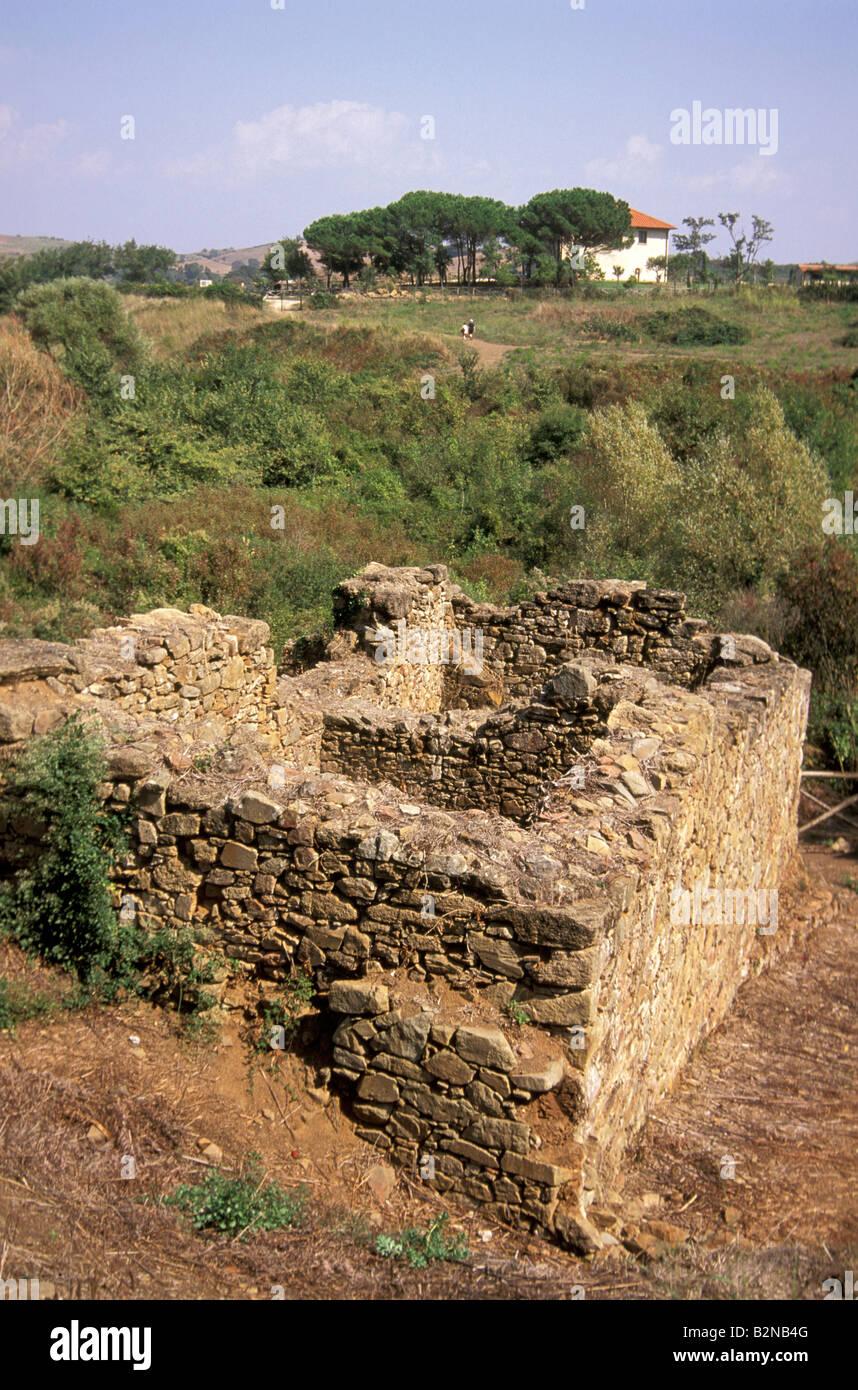 archäologische Zone: Industriegebäude, Populonia, Italien Stockbild