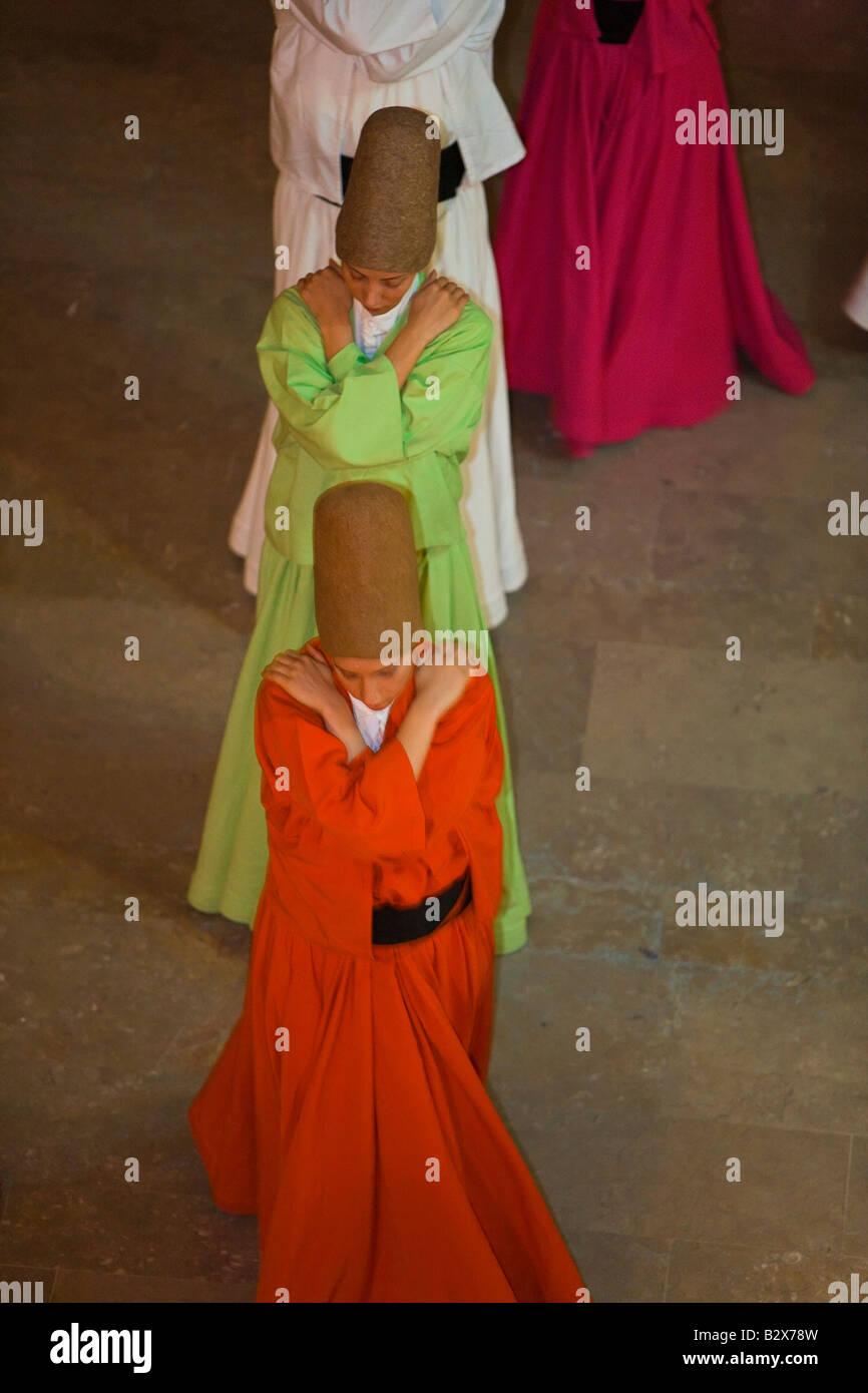 Die Mevlevi wissen als tanzenden Derwische, die Durchführung der Sema Zeremonie Istanbul Türkei Stockfoto