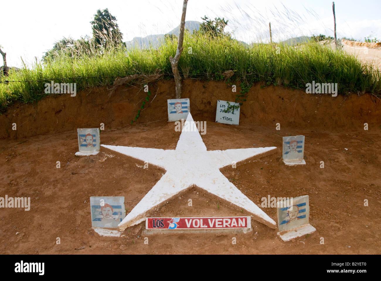 Hommage an Los Cincos Volveran oder die kubanischen fünf in Kuba Stockbild