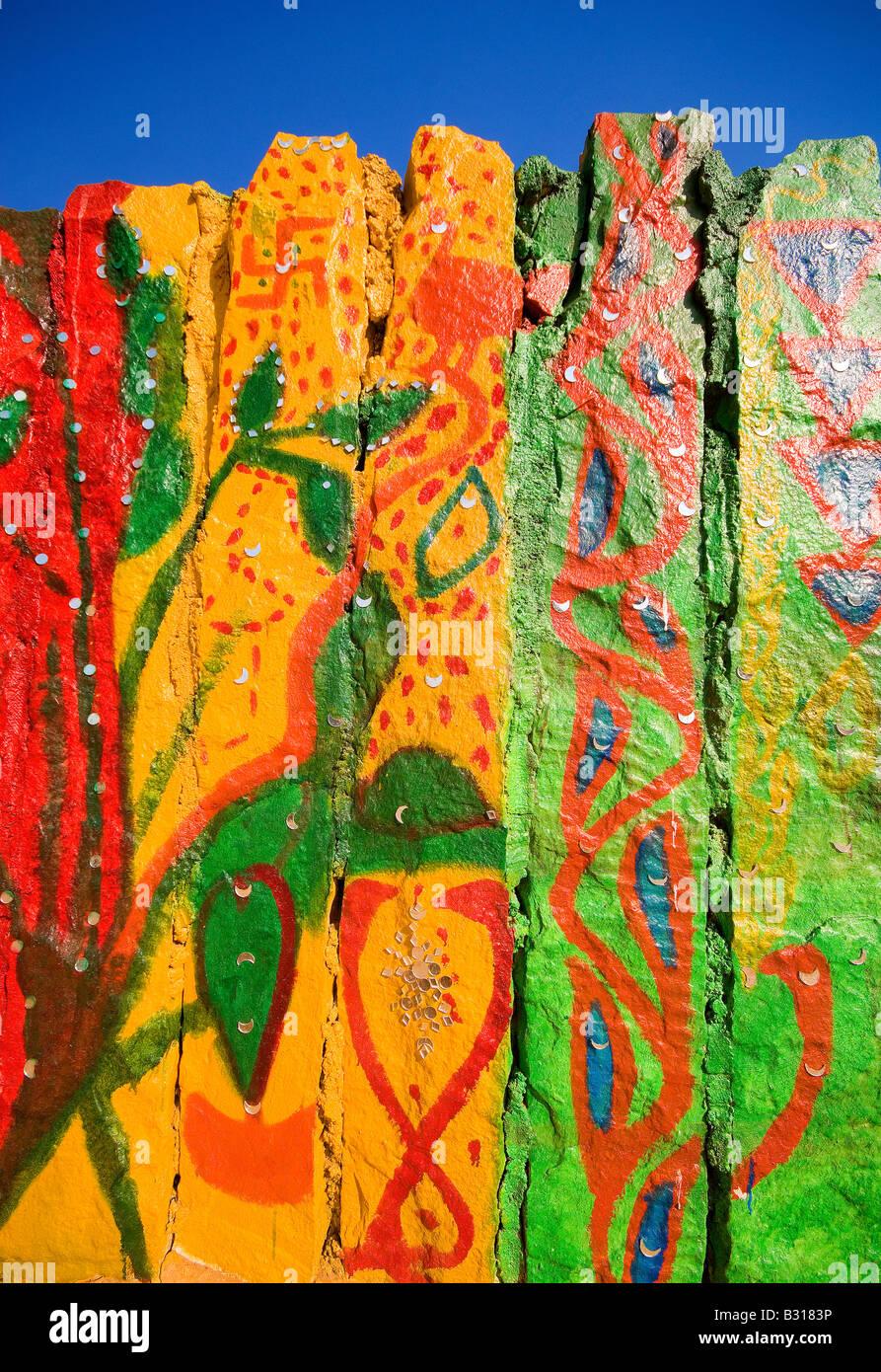 Bemalte Wand Künstlerkolonie, große Thar-Wüste, in der Nähe von Jaisalmer, Rajasthan, Indien, Subkontinent, Asien Stockfoto