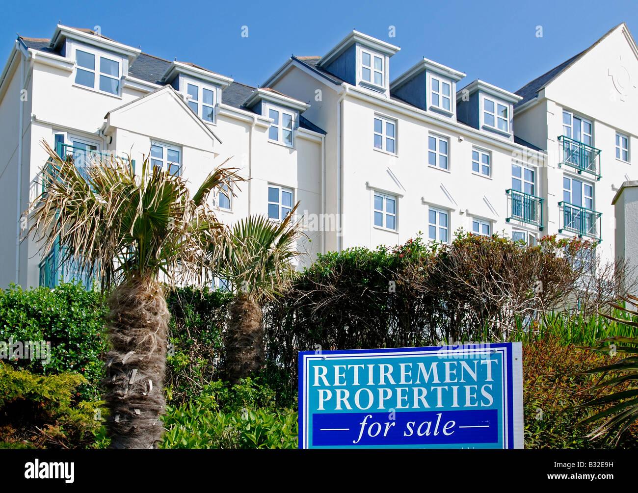 Strandpromenade-Ruhestand-Immobilien zum Verkauf in Falmouth, Cornwall, uk Stockbild