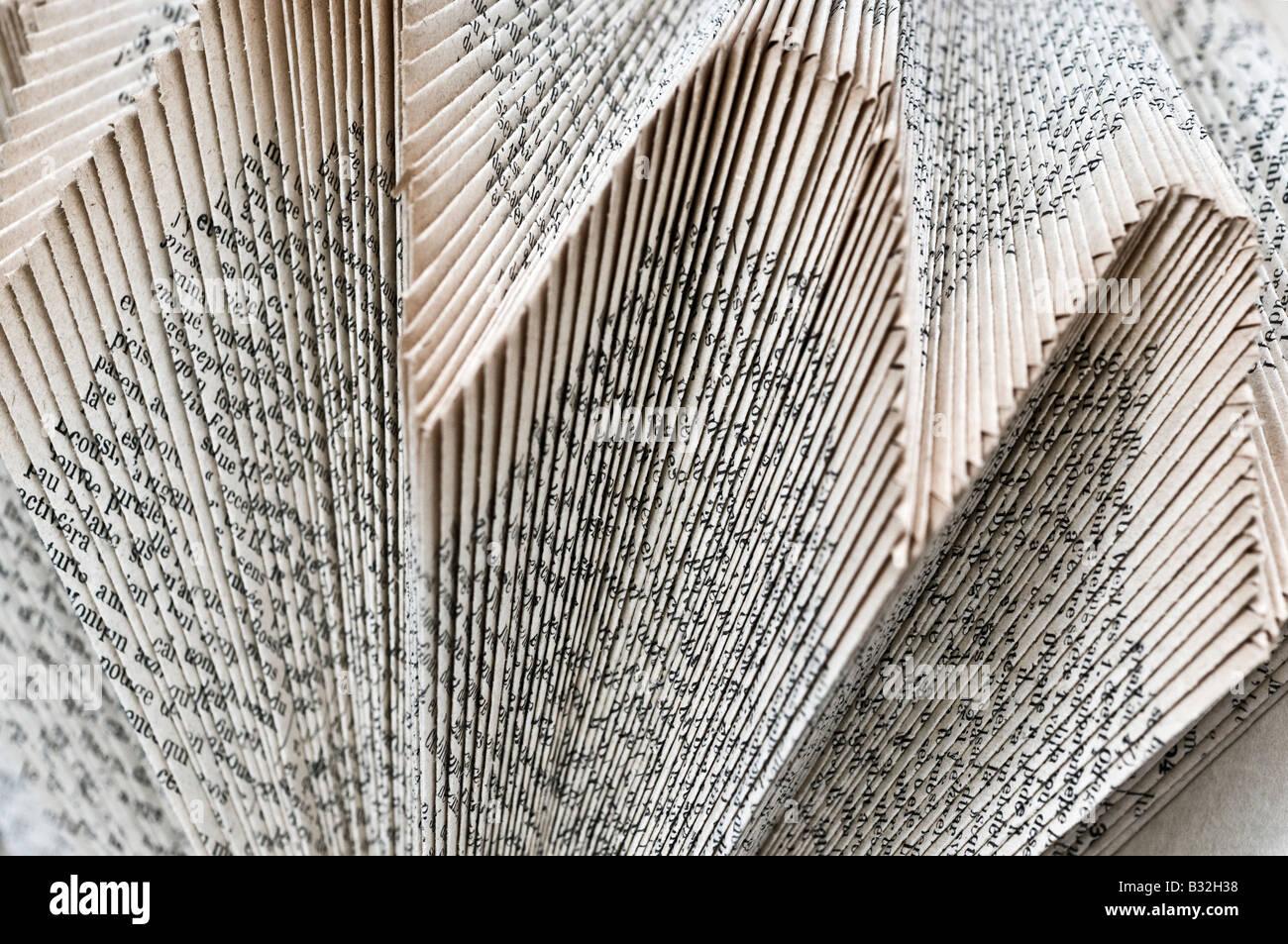 Pop-up-Buch Seite Skulptur Kunst - Dekoration gefaltet / nicht lesen. Stockbild