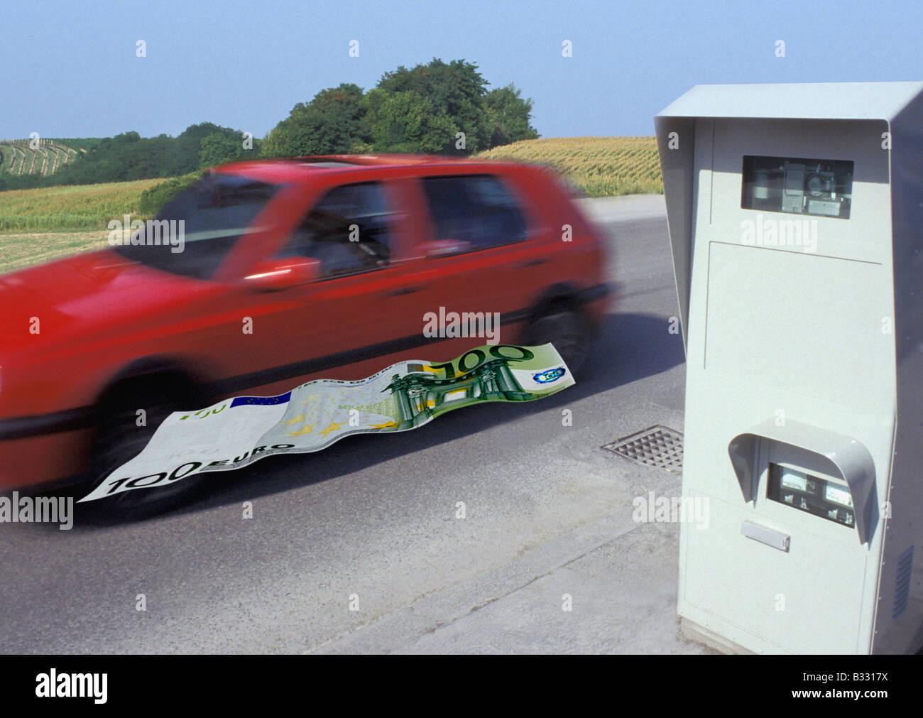 Auto Fährt Zu Schnell Am Radar überwachung Fotomontage Mit 100 Euro