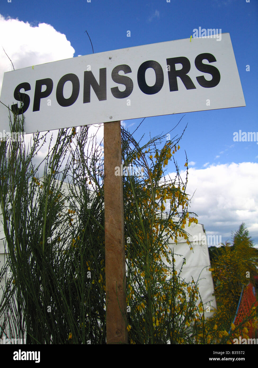 Sponsor-Schild am outdoor-event Stockbild