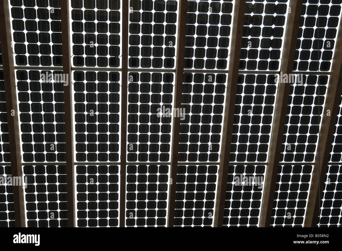 Solar-Panel-Dach am Zentrum für Alternative Technologie in der Nähe von Machynlleth Stockbild