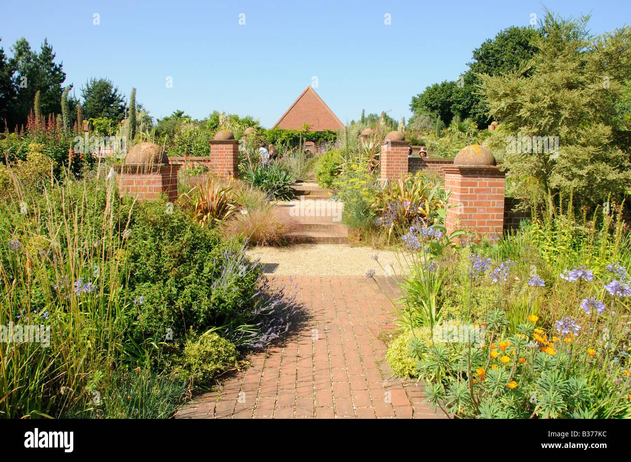 Gepflasterter Garten Stockfotos und bilder Kaufen Alamy