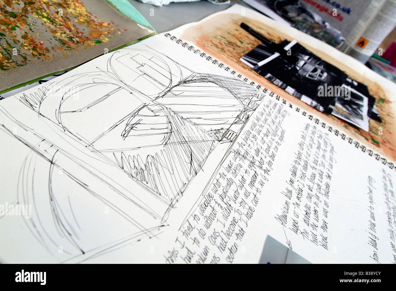Nahaufnahme der Kunst Schülerheft Skizze mit Bleistift Abbildung des Gebäudes Stockbild