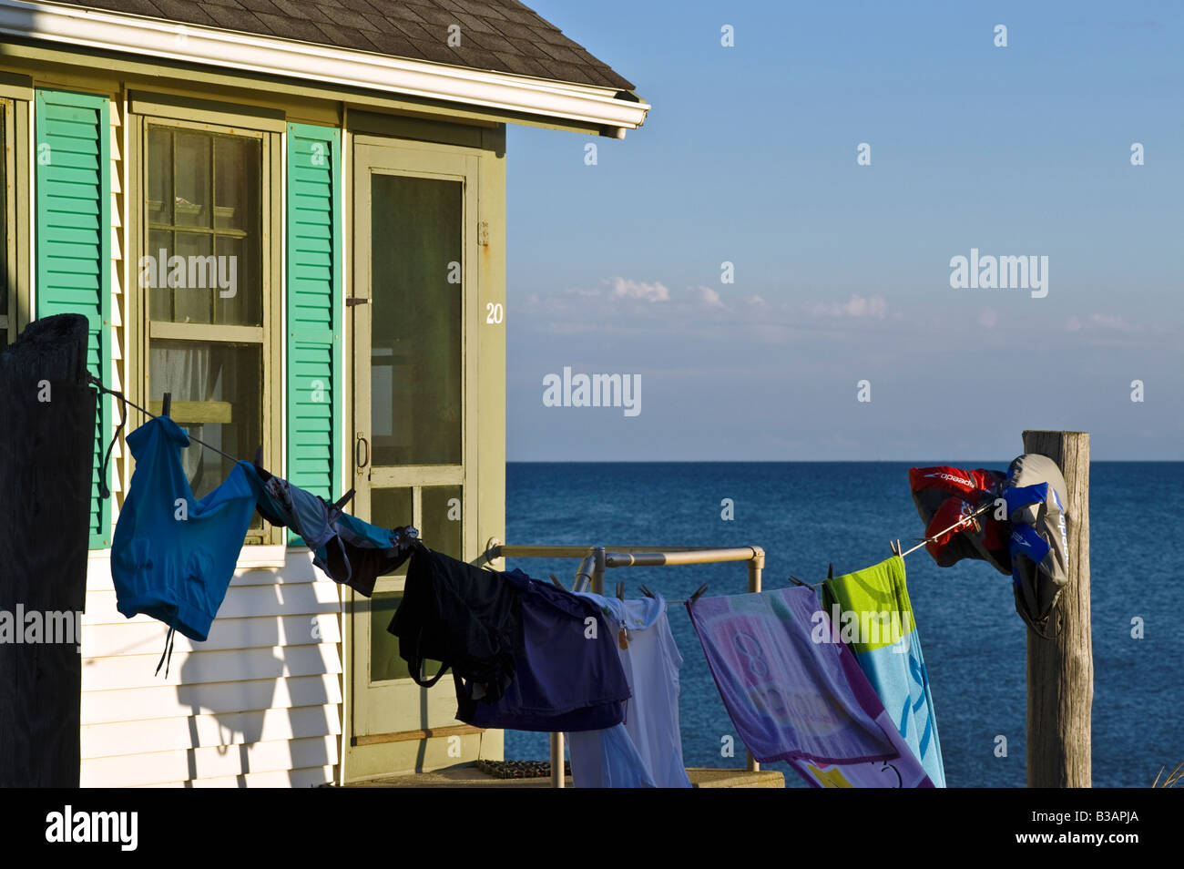 Waterfront Beach Cottage mit Wäscheleine, Truro, Cape Cod, Ma Stockbild