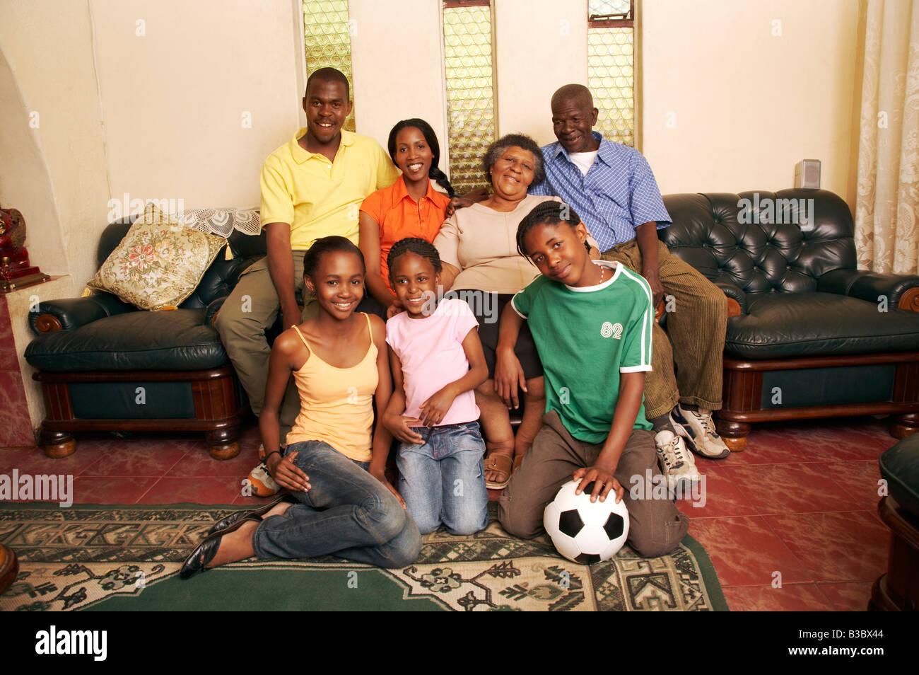 Afrikanische Familie Im Wohnzimmer