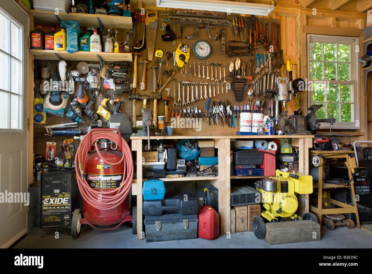 Gut organisiert eine saubere garage usa stockfoto bild for American classics garage