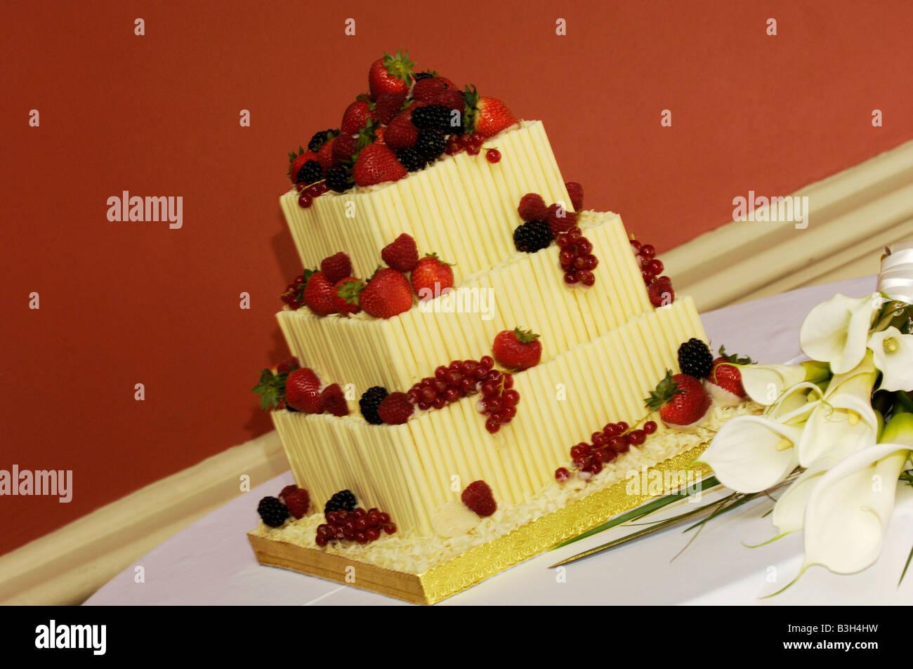 Einzigartige Hochzeitstorte Stockfotos Einzigartige Hochzeitstorte