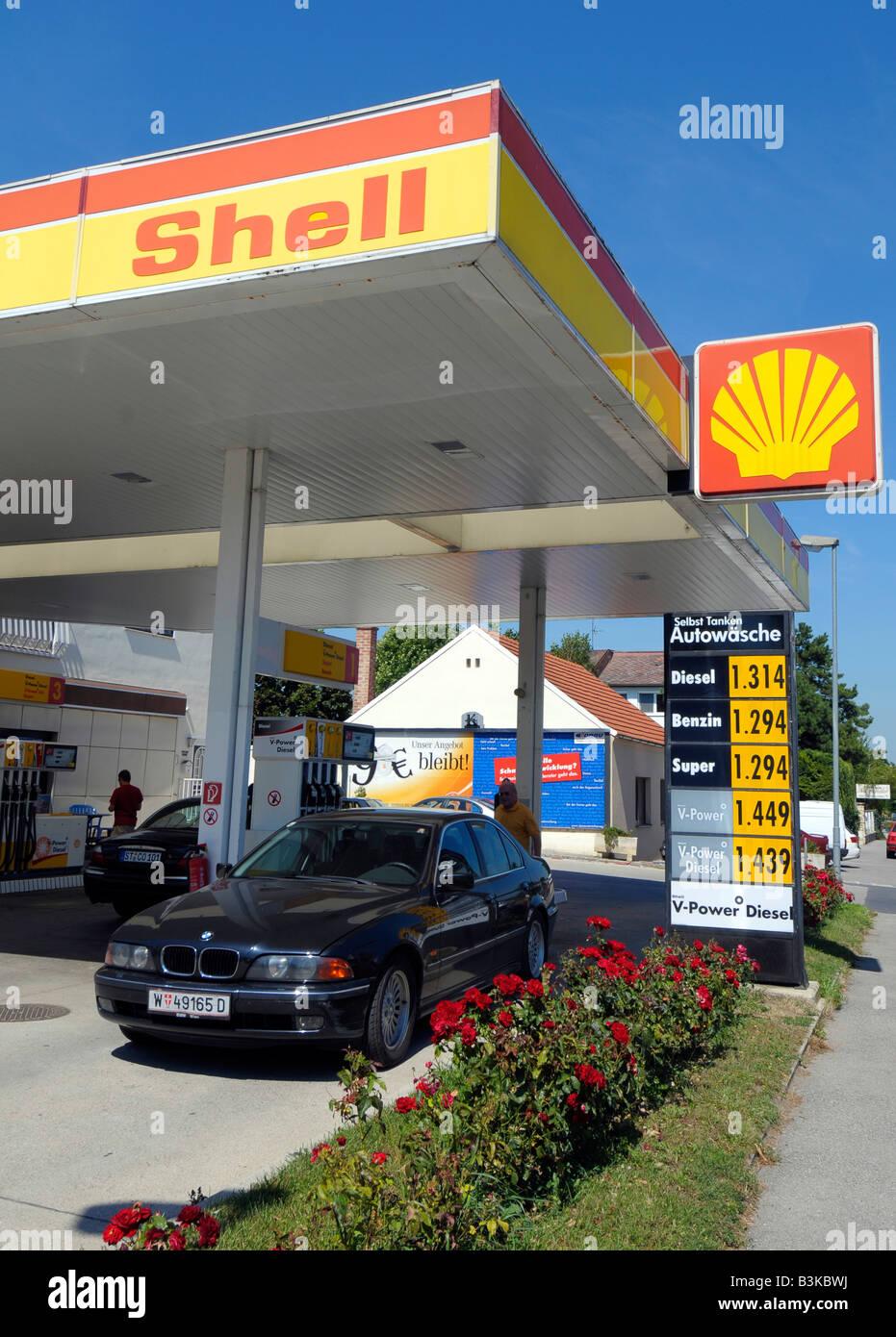 Shell Tankstelle, Österreich Stockbild