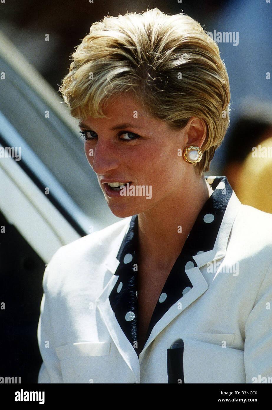 Prinzessin Diana Zeigt Ihre Neue Frisur Juli 1990 Stockfoto Bild