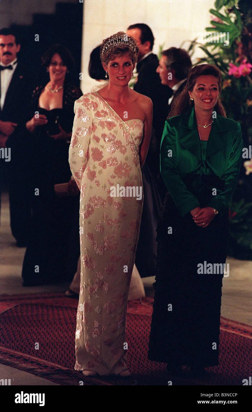 Nackt Prinzessin Diana  Kate Middleton: