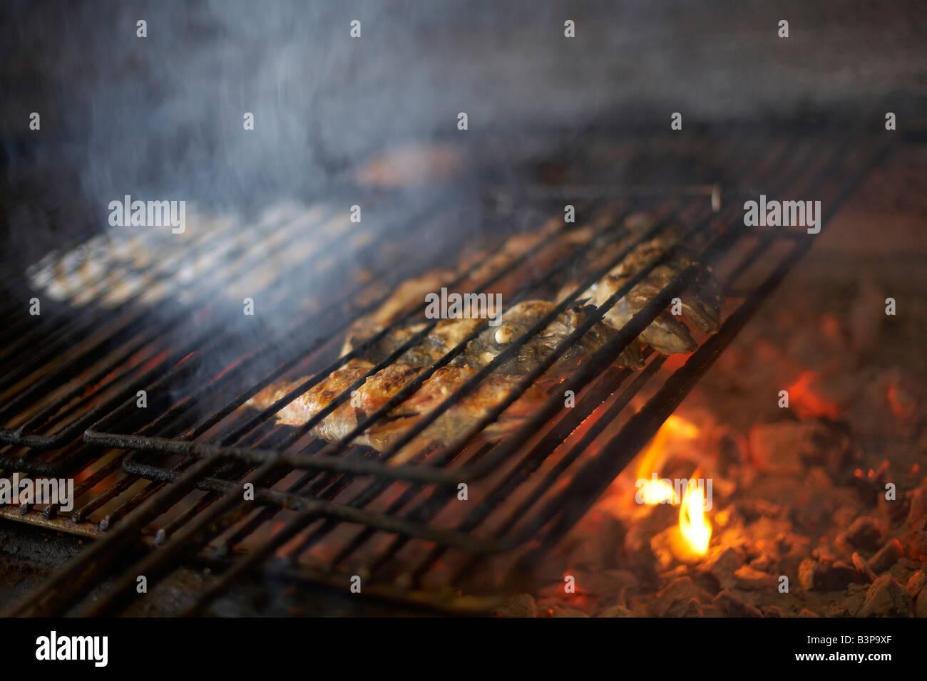 Gas Oder Holzkohlegrill Yorkshire : Grill property stockfotos & grill property bilder alamy