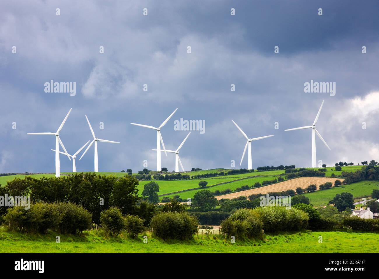 Ländliche Windpark mit Wea-Installation in Cumbria Lake District, England, Großbritannien Stockbild