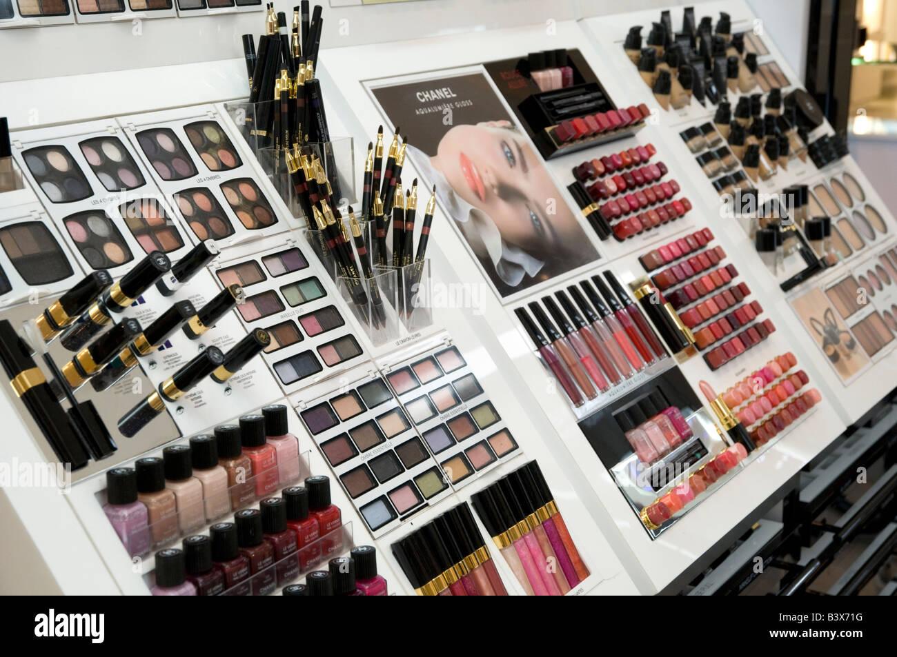 Chanel Kosmetik Zähler Stockbild