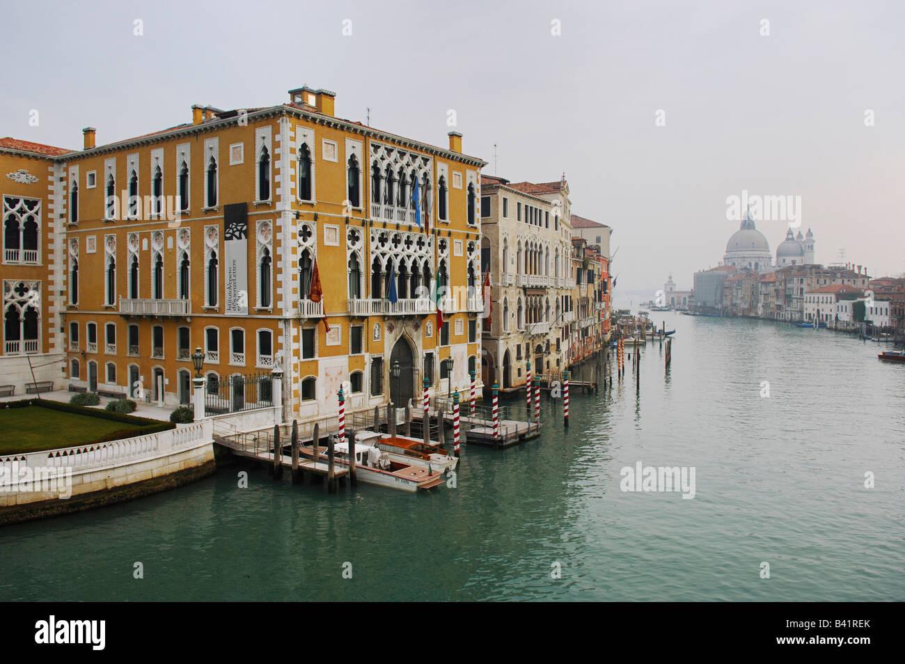 Canal Grande Basilica di Santa Maria della Salute Venedig Italien Europa Stockbild