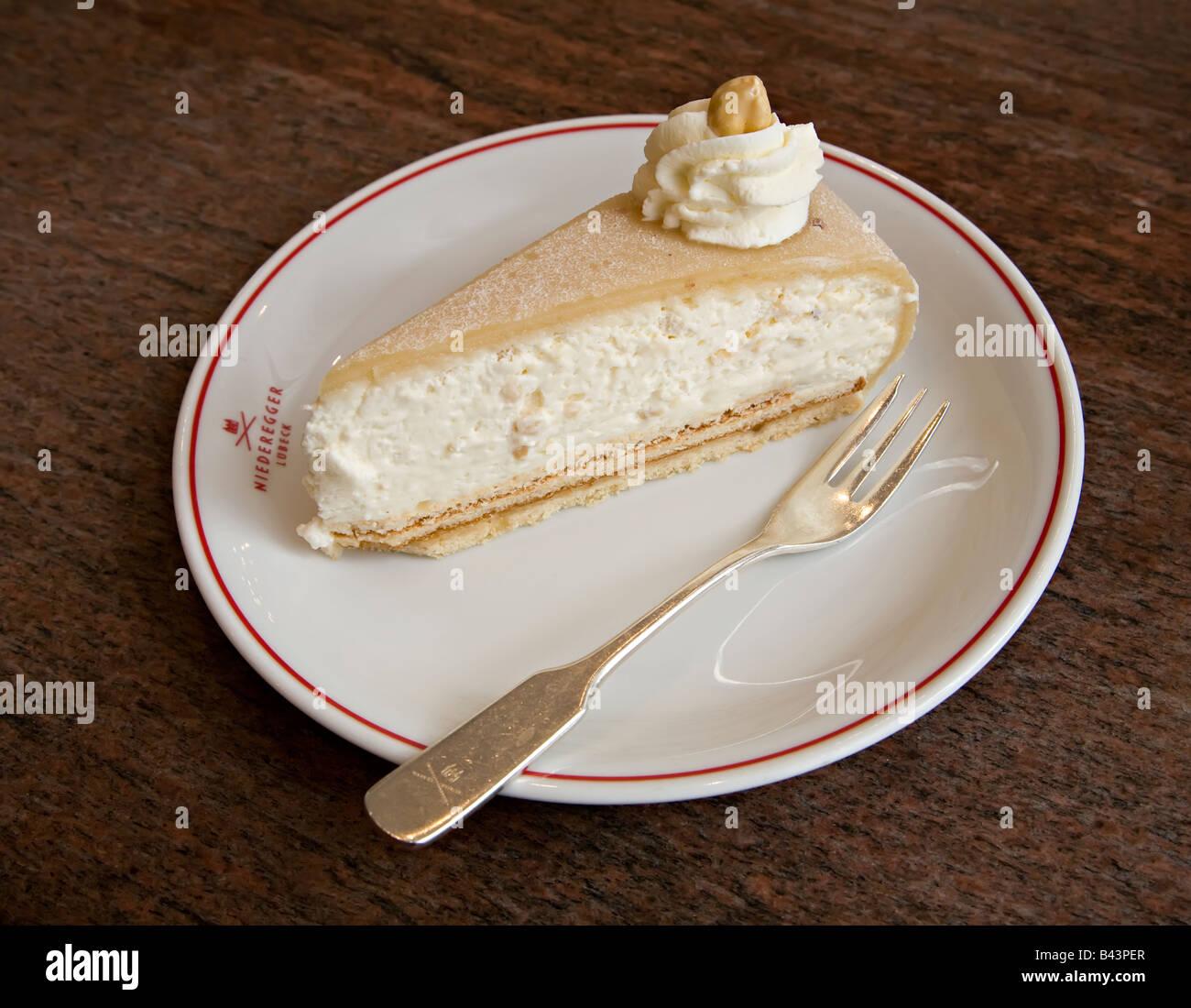 Marzipan Kuchen Mit Sahne Cafe Niederegger Lubeck Deutschland