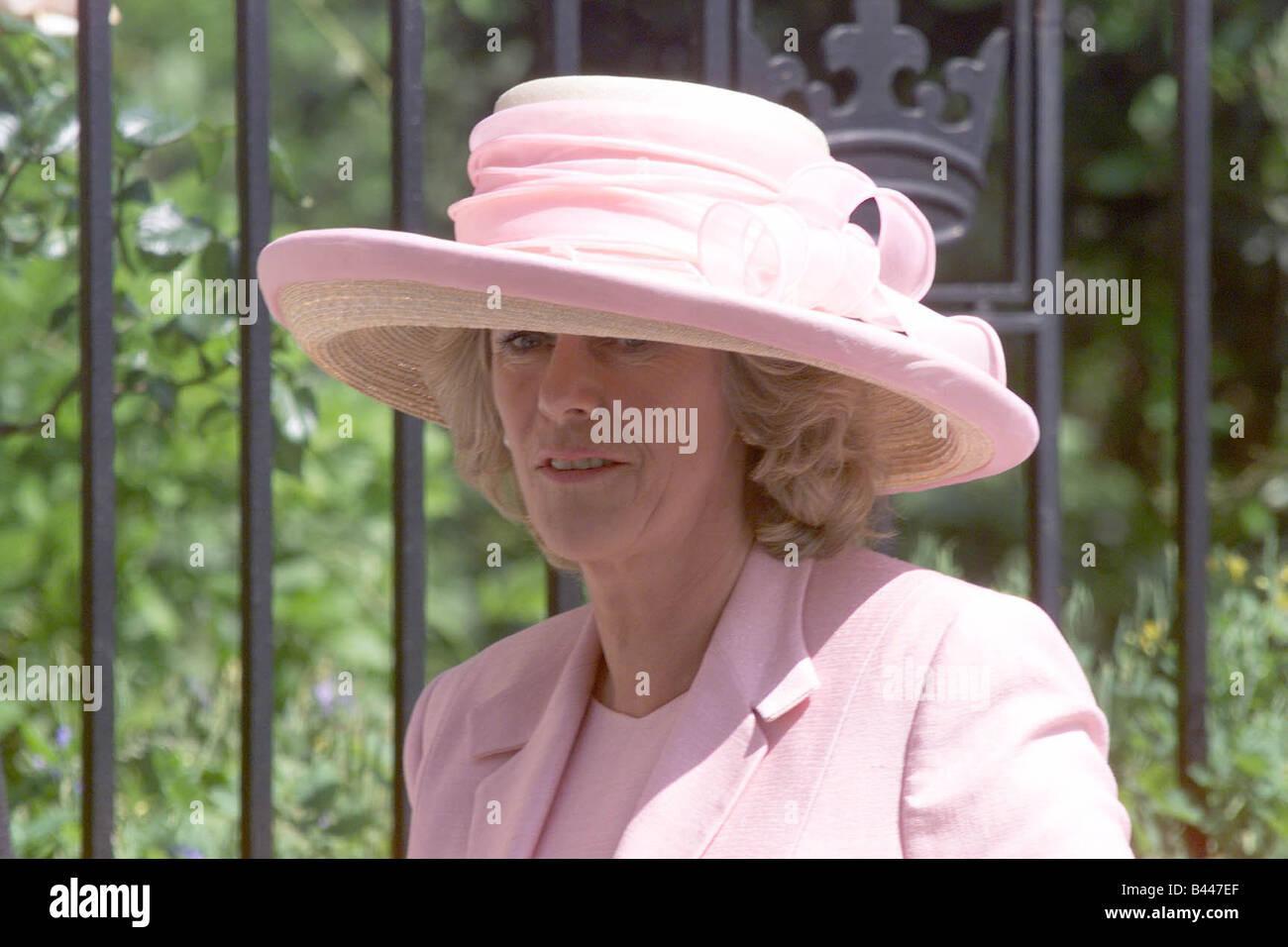 Camilla Parker-Bowles, die Teilnahme an der Hochzeit ihrer Freundin ...