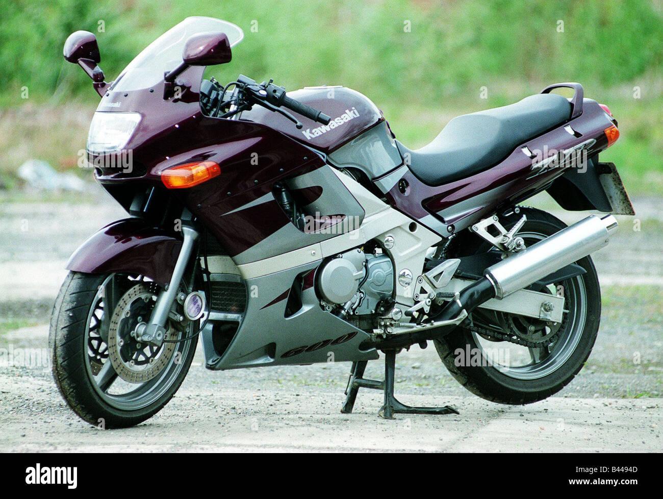 Kawasaki 600 ZZR Motorrad Strasse Rekord Juni 1998 Autofahren Erganzen Lila Und Silber Stockbild