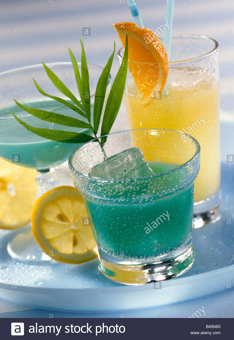 Getränke mit Tequila: Apollo 8, König Midas, Green Poison Stockfoto ...