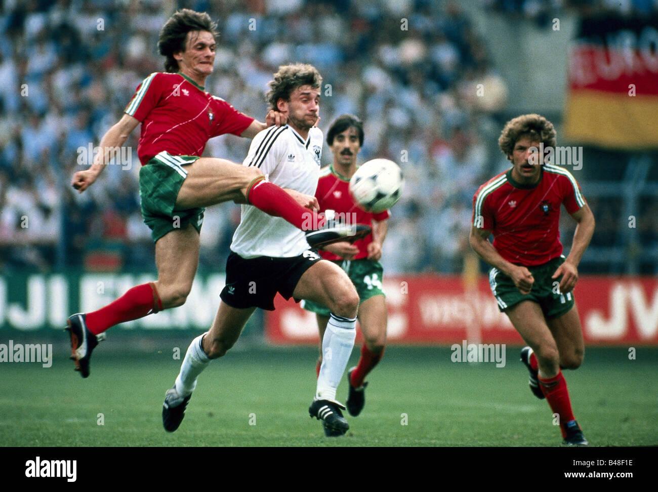 Sport / Sport, Fußball, Fußball, Em, EURO 1984, Deutschland gegen Portugal (0:0) in Straßburg, Frankreich, Stockbild