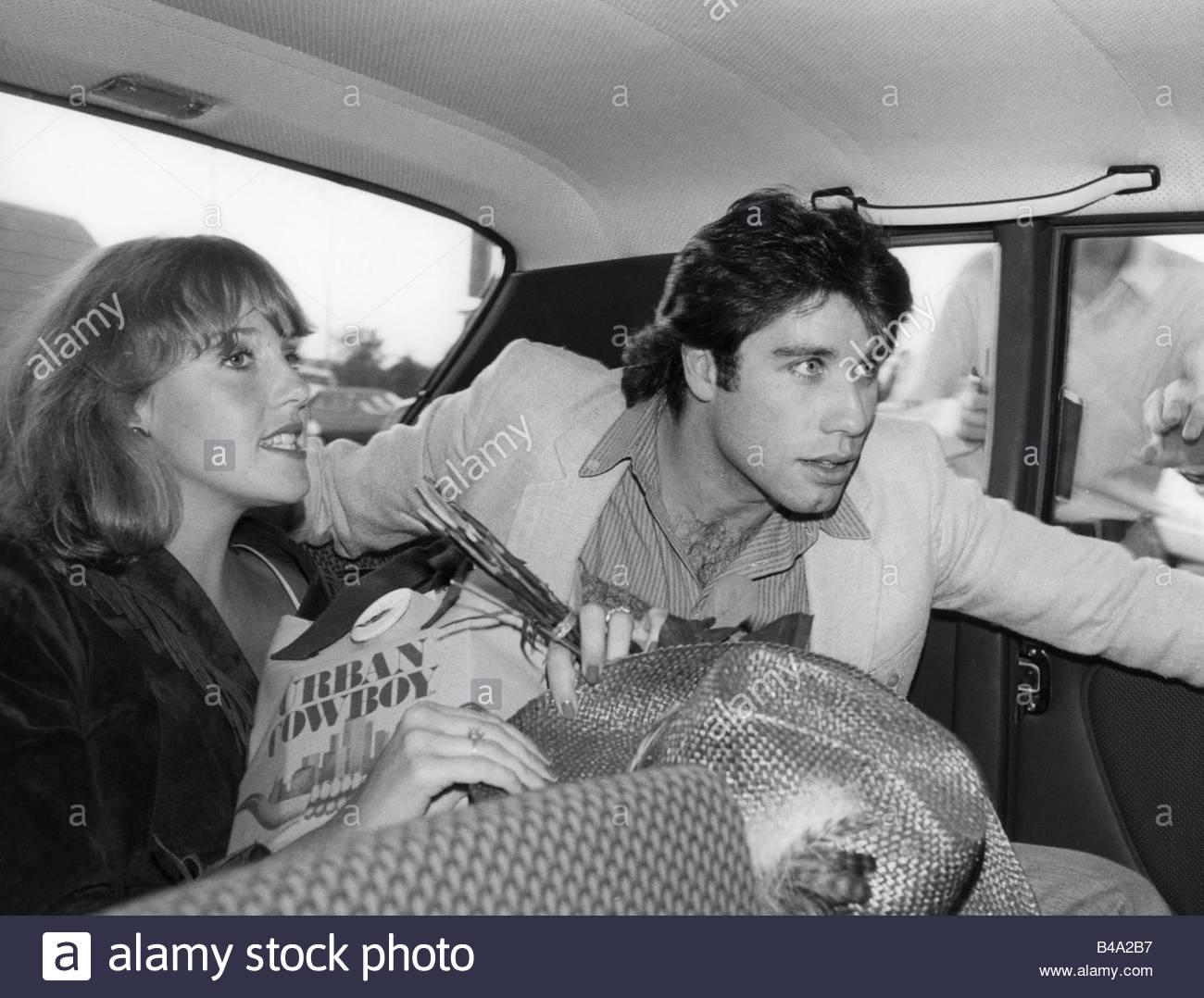 """Travolta, John, * 18.2.1954, US-amerikanischer Schauspieler, mit Debra Winger, Filmpremiere """"Urban Cowboy"""", Stockbild"""
