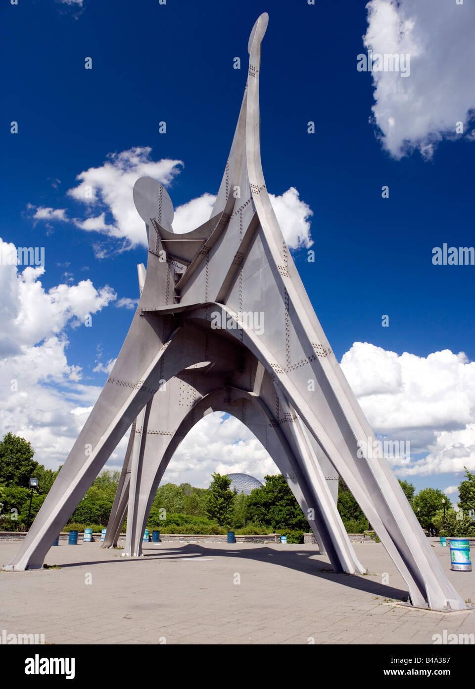 Calders Stabile berechtigt Mann in Montreal, Kanada. Stockbild