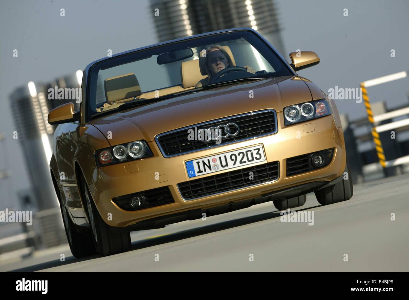 Auto Audi A4 Cabrio Diesel Motor Modell Jahr 2000 Gold Oben