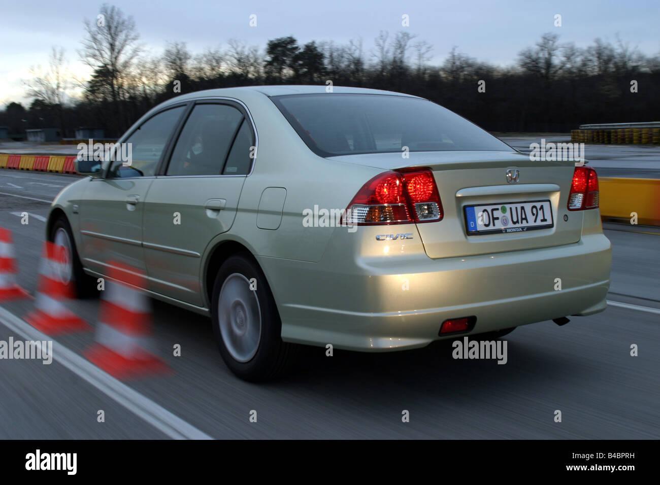 Auto Honda Civic 13i Ima Hybrid Modelljahr 2003 Silber Grn Fguj Fahren Diagonal Von Hinten Hintere Ansicht Seitenansicht