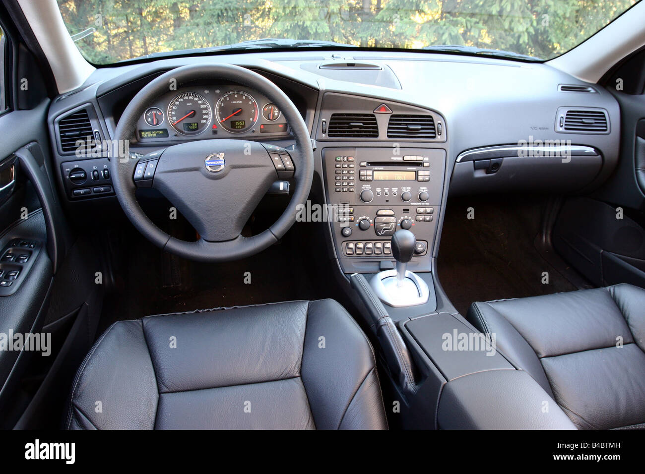 Auto, Volvo S60 4WD, dunkelblau, Limousine, obere mittlere ...