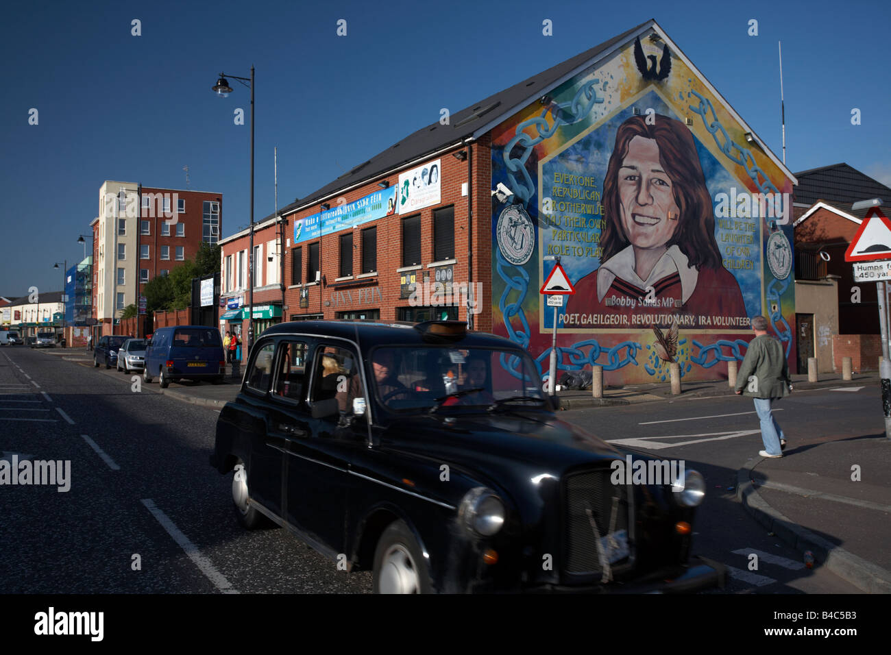 Sinn Féin Büro und Bobby Sands Wandbild fällt weg Belfast City centre Nordirland Vereinigtes Königreich Stockbild
