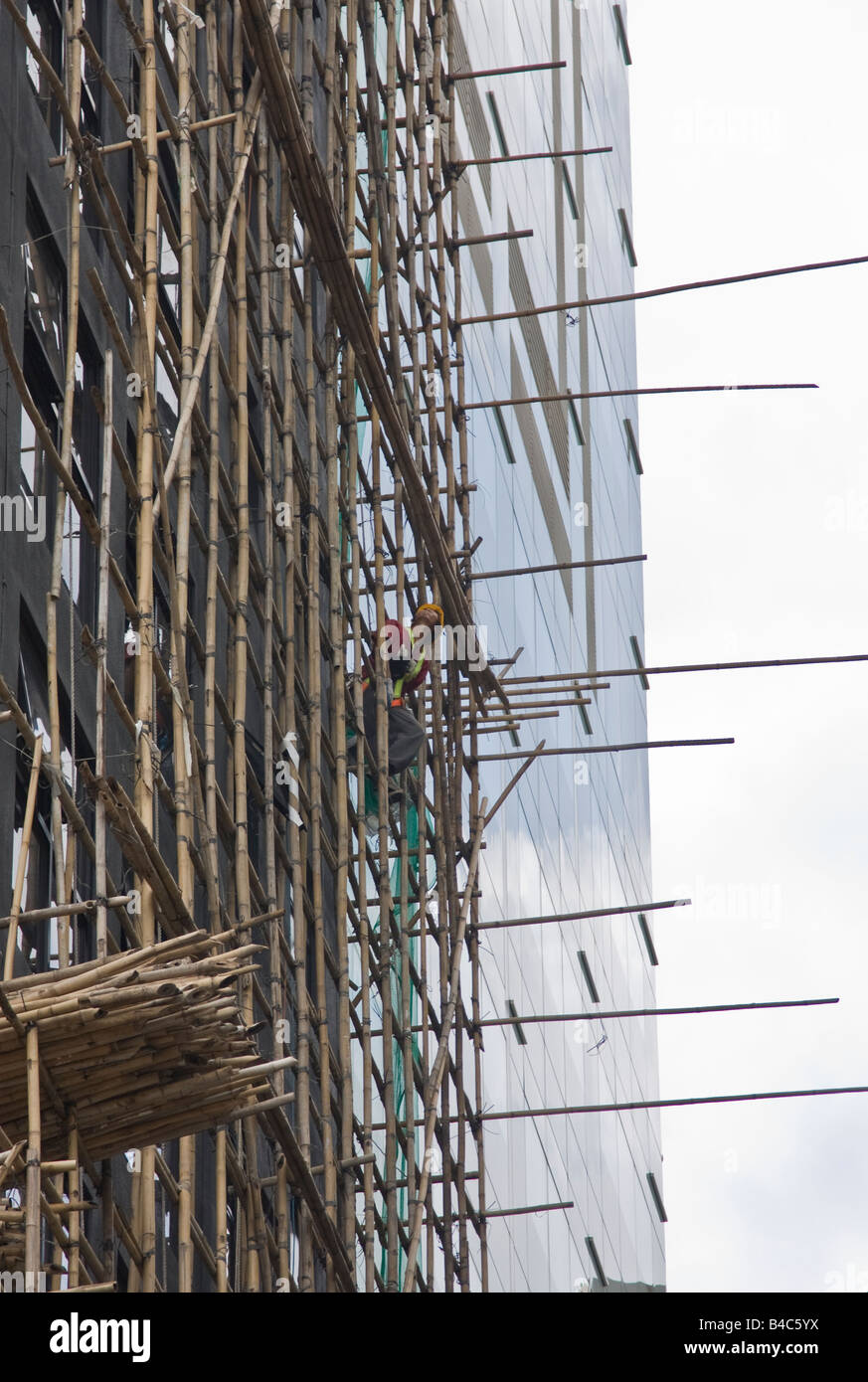 Bauarbeiter Gelehnt Aus Bambus Gerust Central Hong Kong Stockfoto