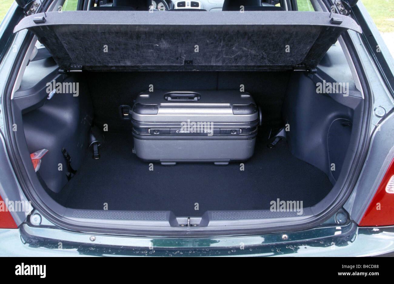 Auto, Mazda 323 F, untere mittlere Klasse, Limousine, Modelljahr ...