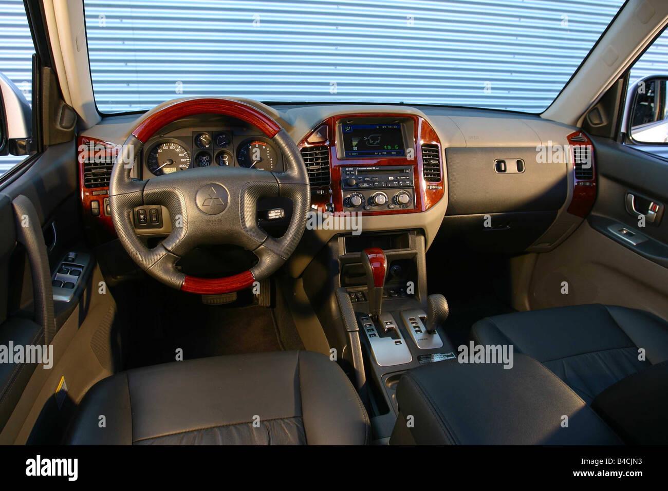 Auto, Mitsubishi Pajero, Langlauf Fahrzeug Modelljahr 2000-Silber ...