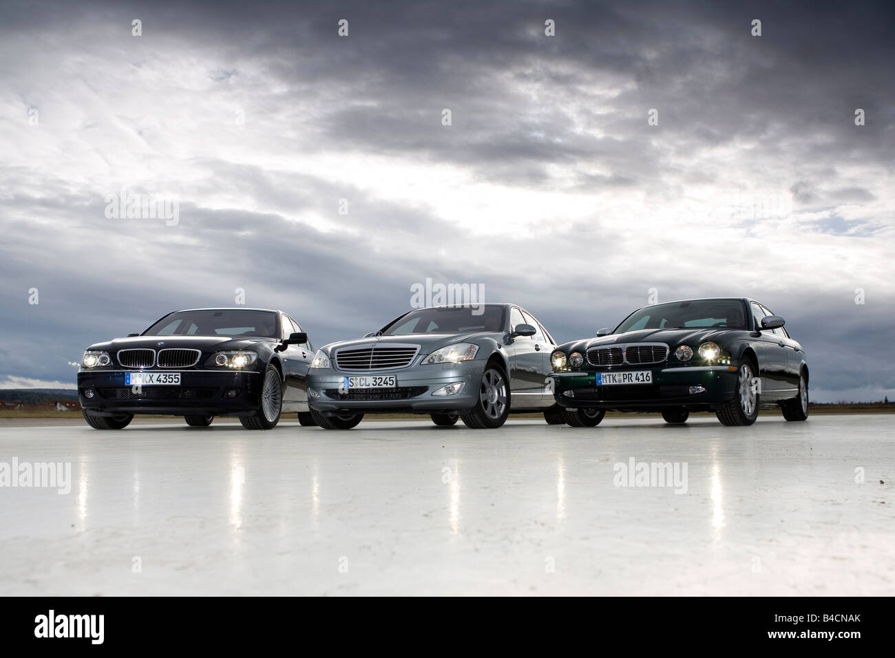 bmw cars stockfotos bmw cars bilder alamy. Black Bedroom Furniture Sets. Home Design Ideas